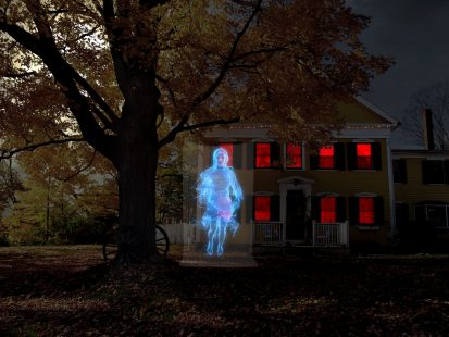 HOLOGRAPHIC MESH 5′ x 9′ AND HALLOWEEN USB (3 VIDEOS) KIT
